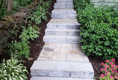 techo-bloc blu60 slate pavers Röcka steps stairs walkway stone steps