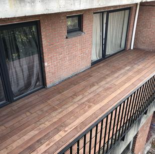 Terras op balkon