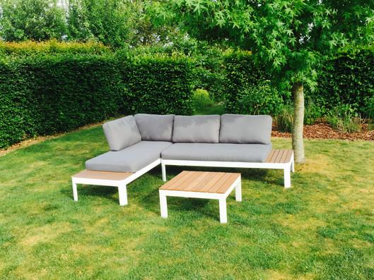 Lounge set met bijpassende tafel