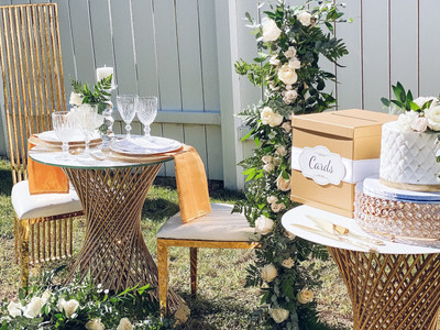 Outdoor Sweetheart Table Area