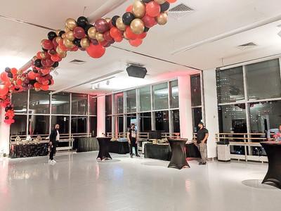 Balloon ceiling installation