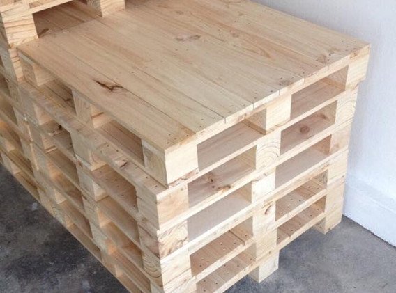 ตัวอย่างชิ้นงานพาเลทจากไม้สน