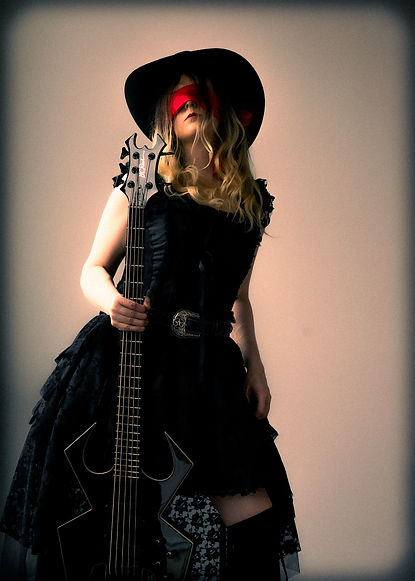 sybil_grace_bcr_widow_5_bass_small.jpg