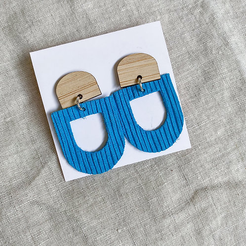 Bamboo Arch Stud | Blue Lines