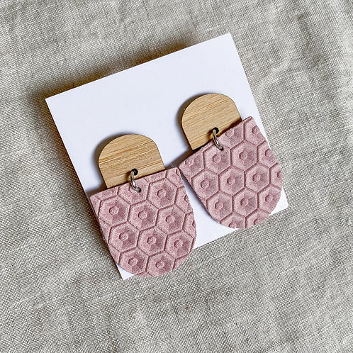 Bamboo Stud | Blush Honeycomb
