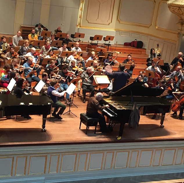 conducting Daniel Barenboim with Brahms concerto in Hamburg
