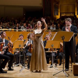 conducting flutist Gili Schwarzman in Madrid