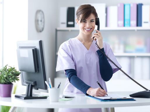 Roteiro para secretária receber pacientes na clínica