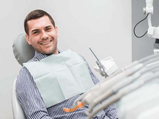 Como atrair pacientes de implantes dentários para sua clinica