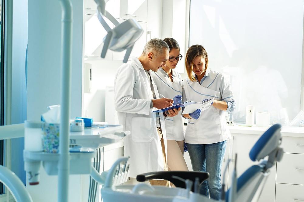Fatores críticos de sucesso para clínicas odontológicas