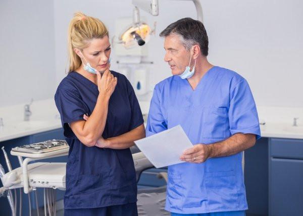 Como pagar seus colegas dentistas na sua clinica?