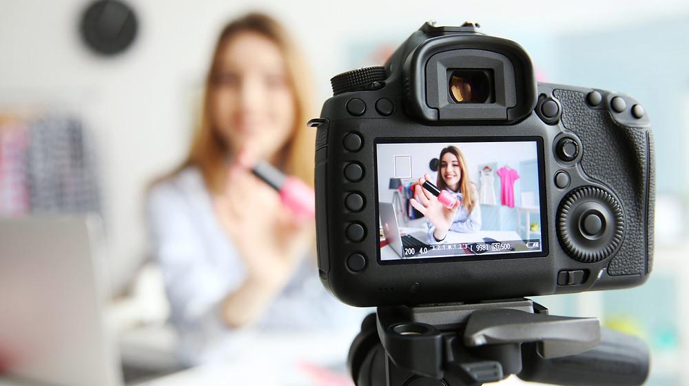 Como trabalhar com influenciadores digitais na sua clínica