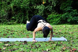 3 Tips for Side Crow Pose (Parsva Bakasana)