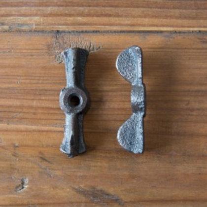 Cast Iron Bowtie Latch - SHX7401