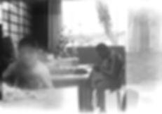 Rafael Schultz, Divaldo Pickcius. Obra: Precariedade como gesto: fotografia & gambiarra. Sala de aula para artesanato, APAE. Fotografia analógica artesanal, filme raio-X.