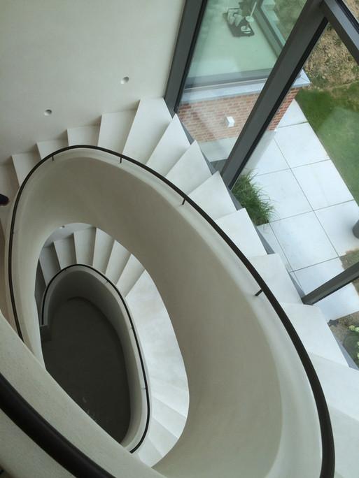 Neststeen Vloer / trap Kalkpleister, mortex, tadelakt, beton cire.