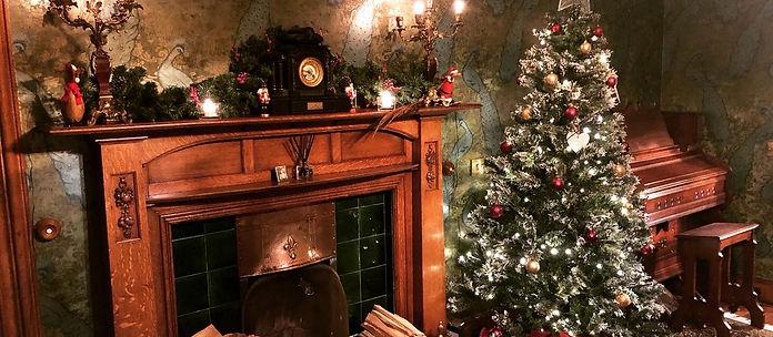 Christmas Dining room.jpg
