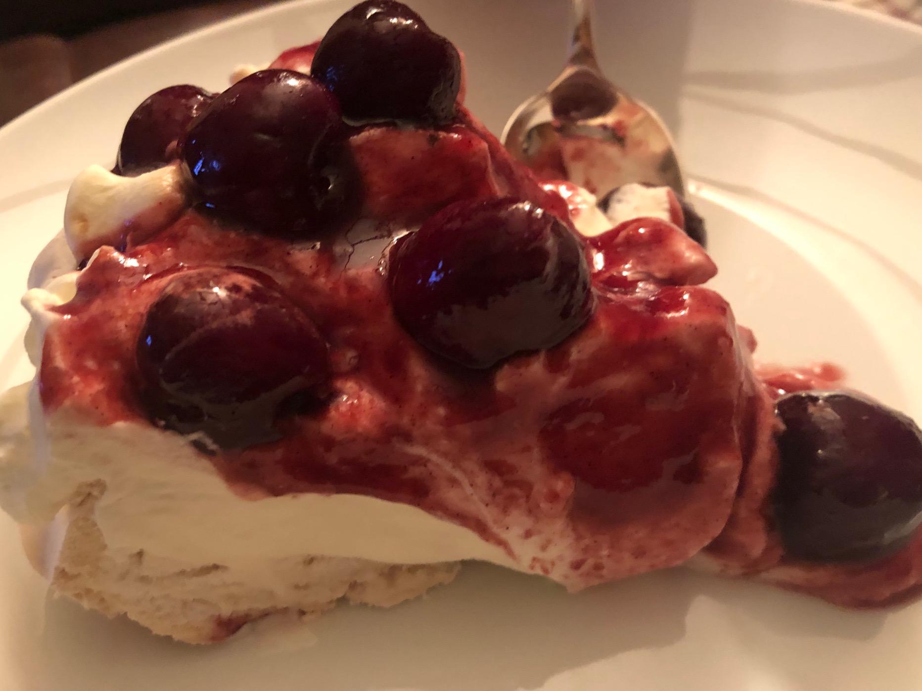 Dinner: Desert - Mum's Pavlova