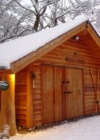 The-Bunk-House-in-the-snow.jpg