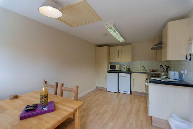 1 stables kitchen.jpg