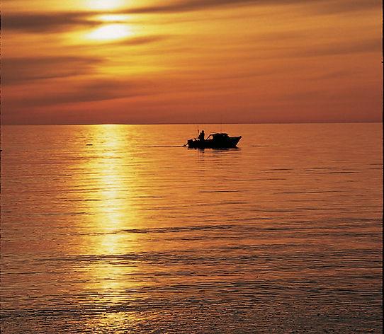 sunset-fishing-grand-traverse-bay.jpg