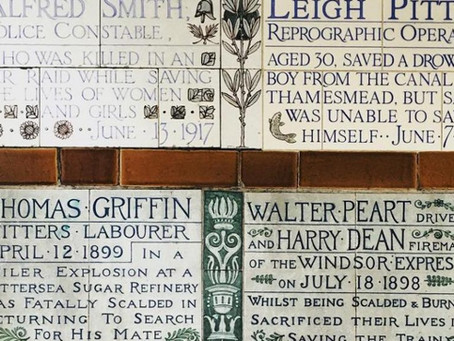 The London Park Dedicated To Everyday Heroes Who Died Saving Others • Postman's Park