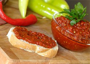 Eastern European Roasted Pepper Appetizer without salt, sugar, or oil (Zakuszka)