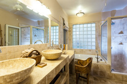 SM399 Bathroom