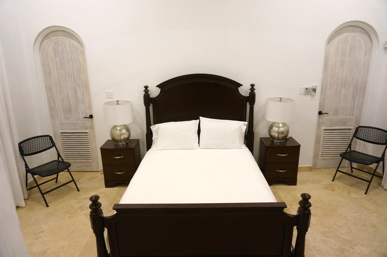 BB528 Queen Bedroom