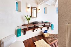 BB364 Cottage Bathroom