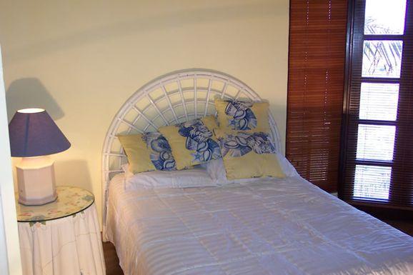 SM393 Bedroom