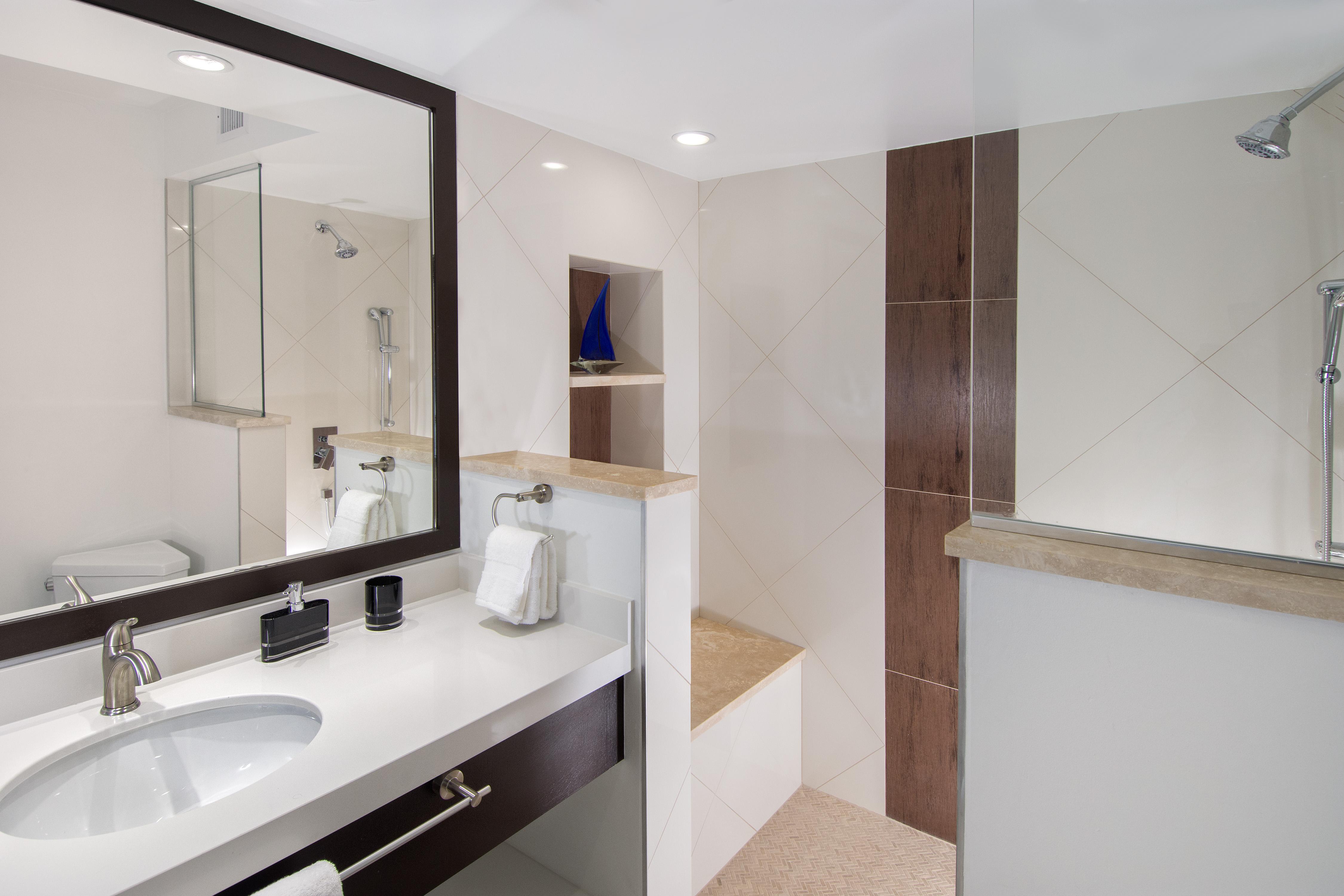 SM101 Guest Bath 3