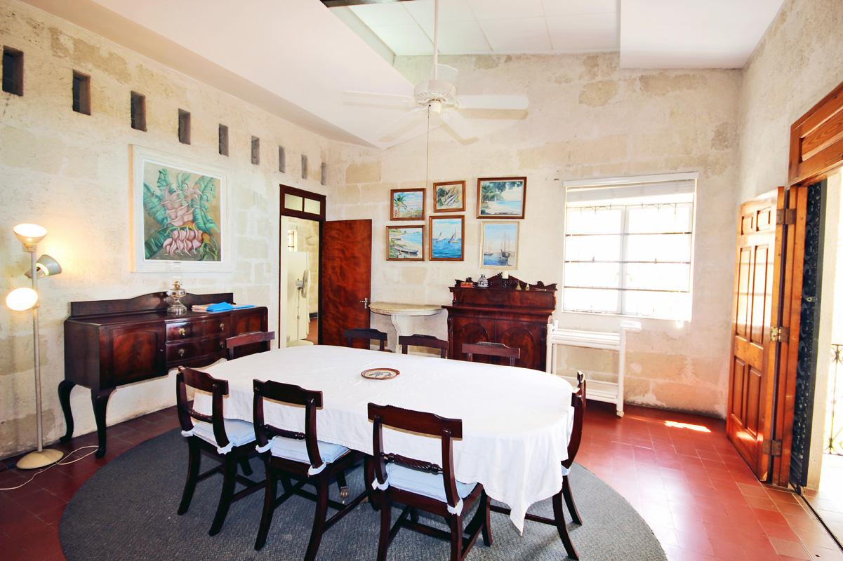 BB352 Dining Room