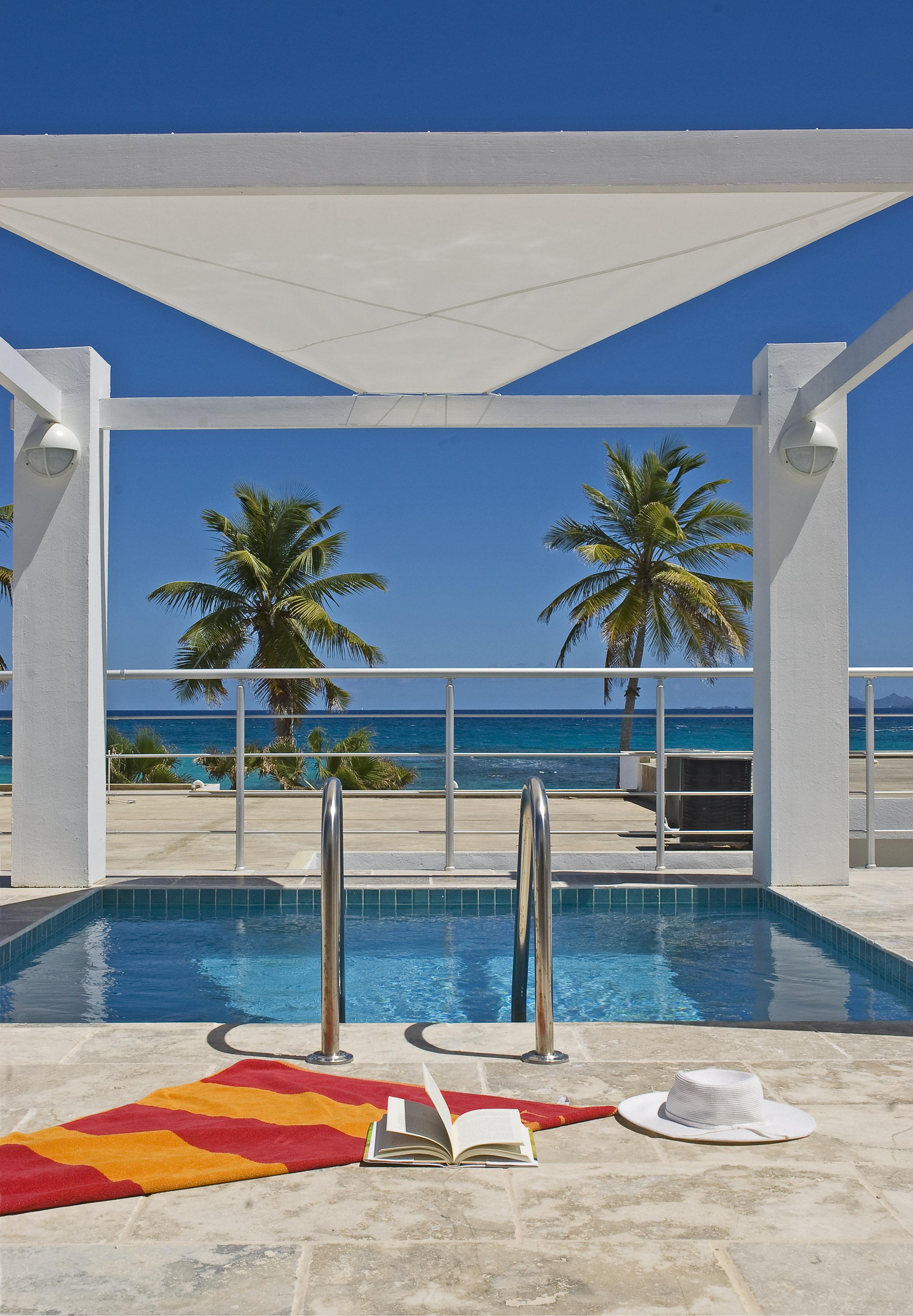 SM388 Beachview Villa Pool