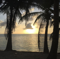 BL105 Ambergris Cay Sunrise