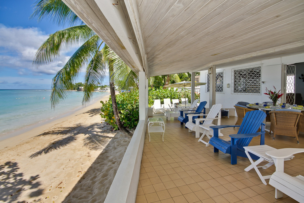 BB330 Verandah on Mullins Beach