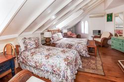 JM251 Bedroom 5