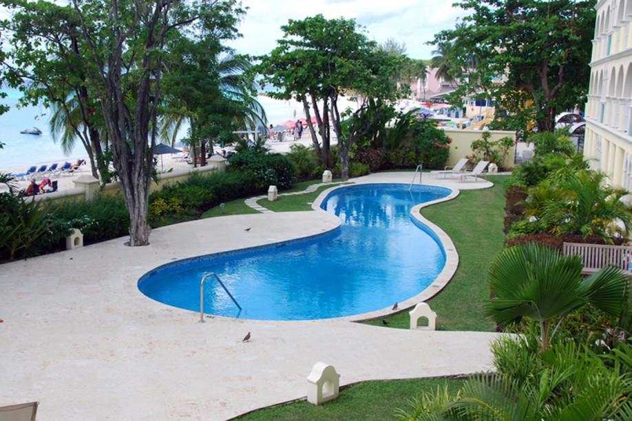 BB490 Swimming Pool