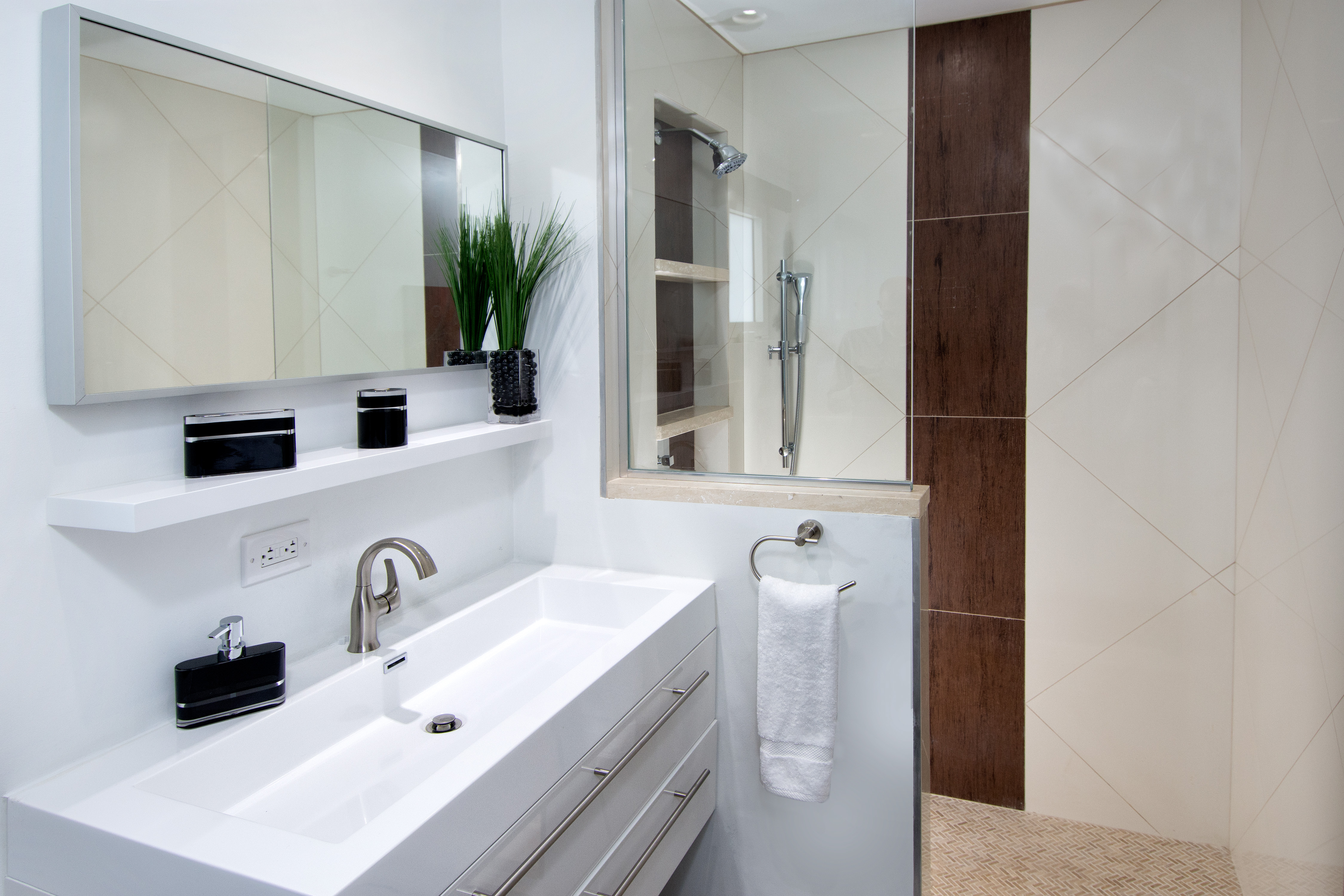 SM101 Apartment Bathroom