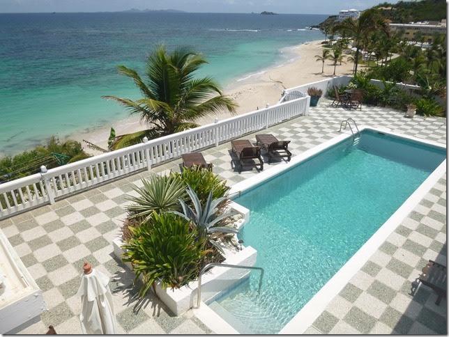 SM319 Pool + Beach