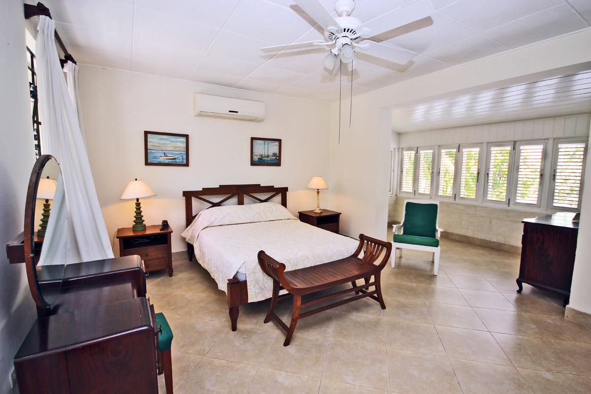 BB352 Master Bedroom