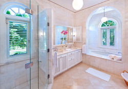 BB366 Main House Bathroom 2