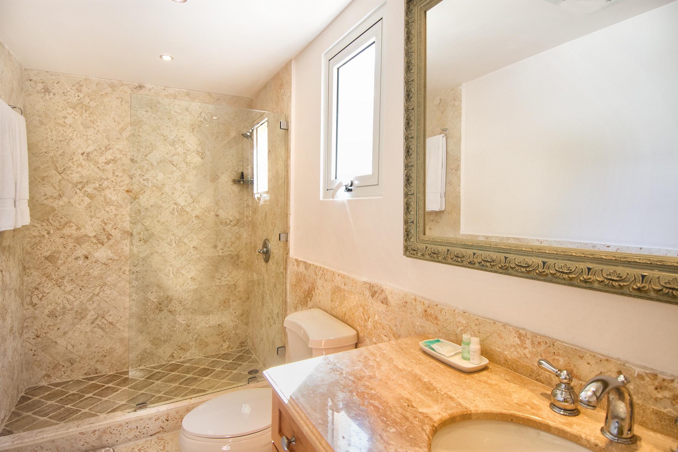SM404 Bathroom #1