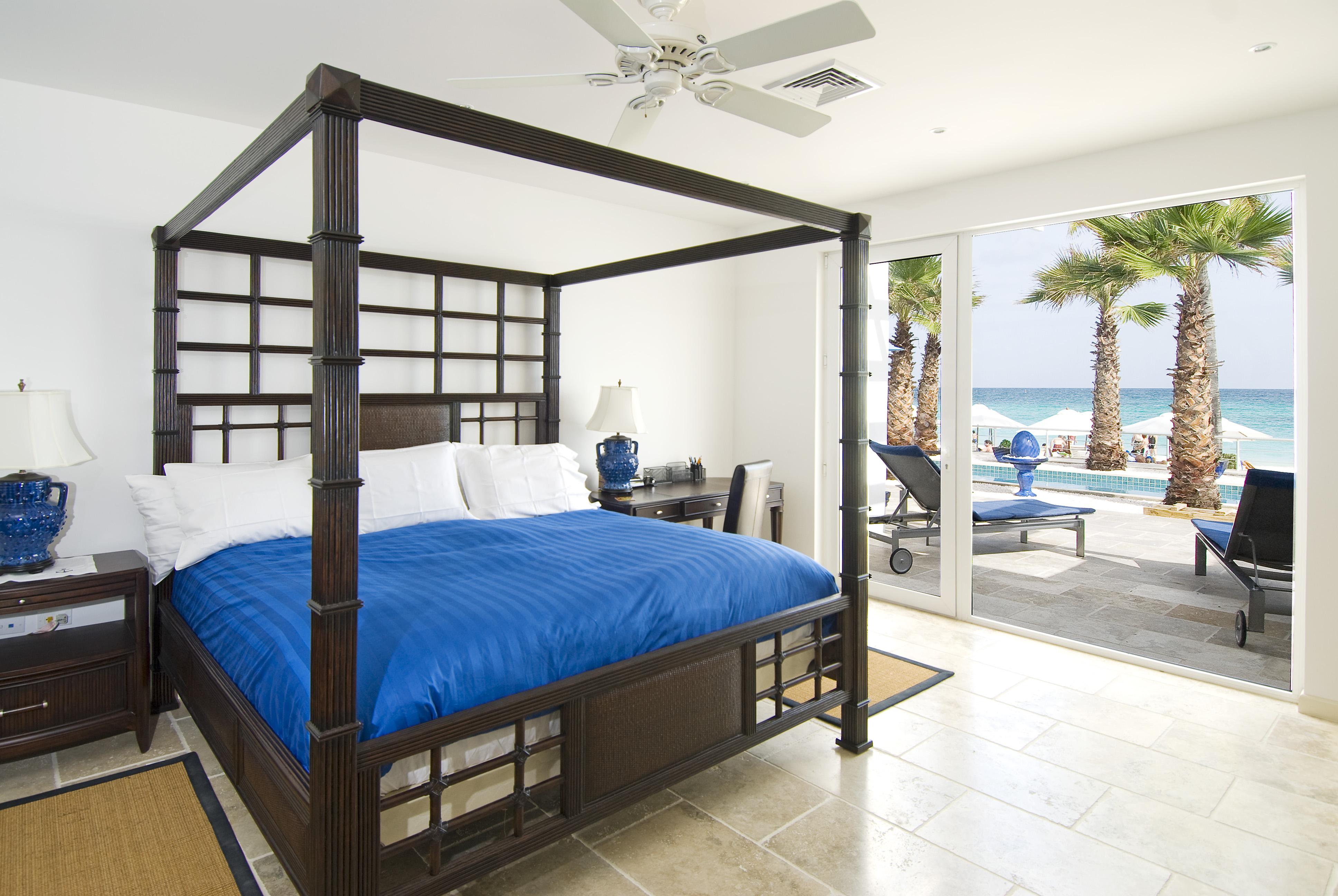 SM388 Beachfront Villa Bedroom