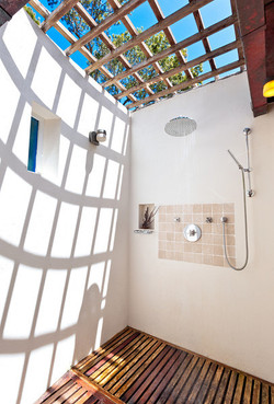 BB364 Cottage Open Shower