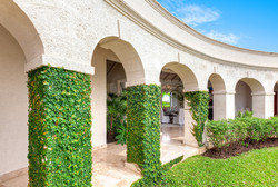 BB328 Ivy-covered Archway