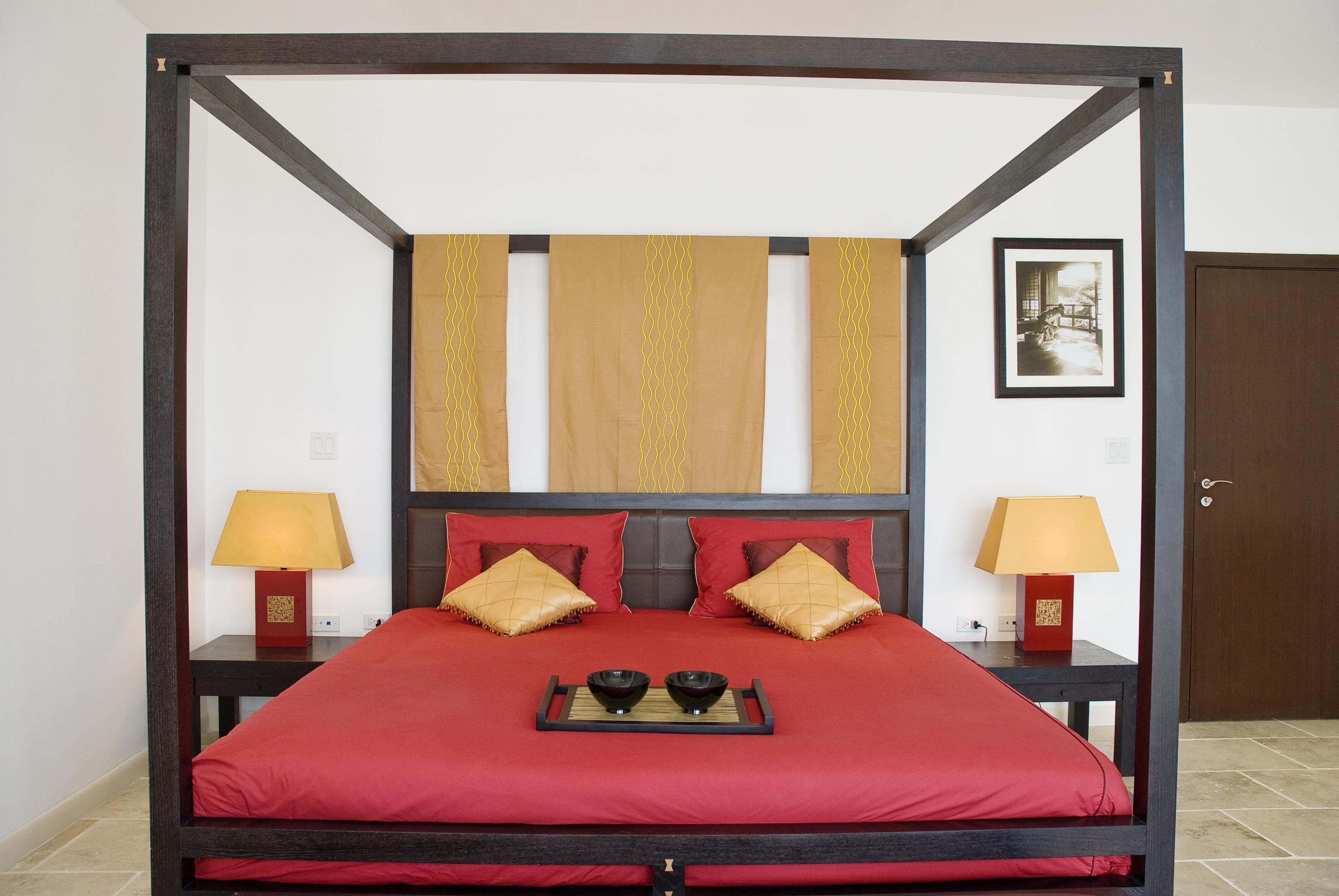 SM395 King Bedroom