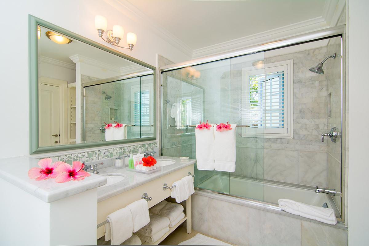 JM144 Cottage Bathroom