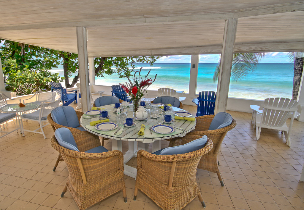 BB330 Beachfront Verandah Dining