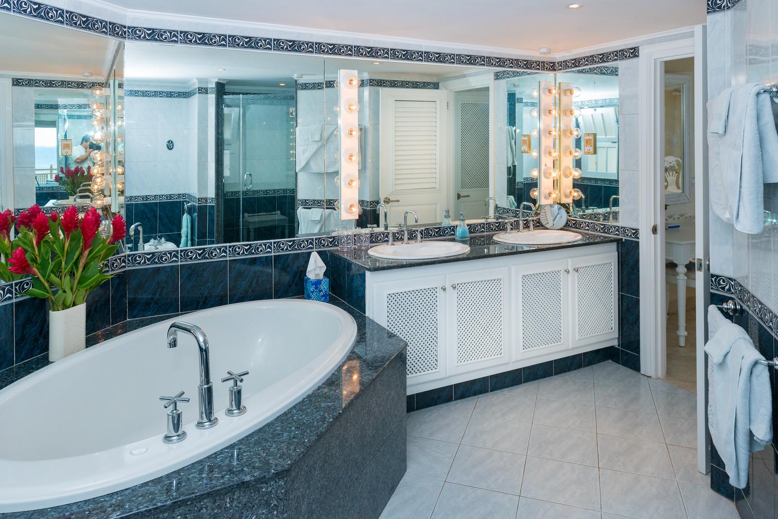 BB524 Master Bathroom